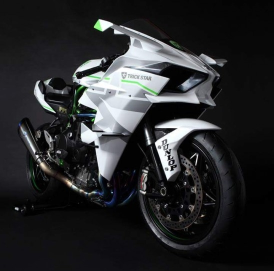 Ninja H2R Tuned And Customized By TRICK STAR To Be Prepared For The Challenge Final Gear Ratio Has Been Modified Correspond 380km H