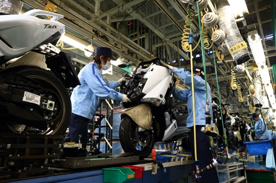 yamaha factory tour manufacturing that produces