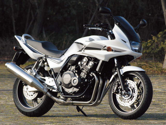test ride impression cb400 super bol d or no worries for beginners rh japan webike net