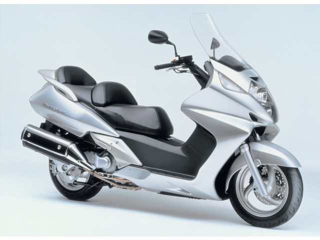 honda silver wing 600 motorcycle news webike japan. Black Bedroom Furniture Sets. Home Design Ideas