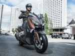 2017-Yamaha-X-MAX-300A-EU-Quasar-Bronze-Action-001-680x382