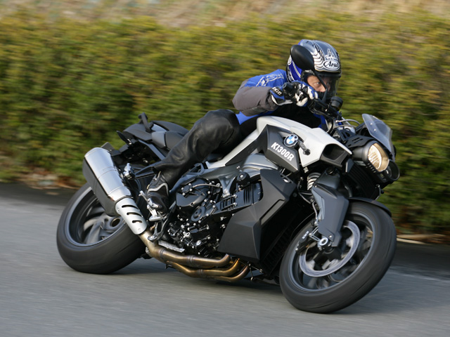 Test Ride Reviews K1300r Strongest Naked In Bmw History Which Has