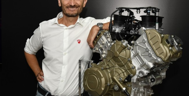 24-01 Unveiling Desmosedici Stradale V4 engine Claudio Domenicali