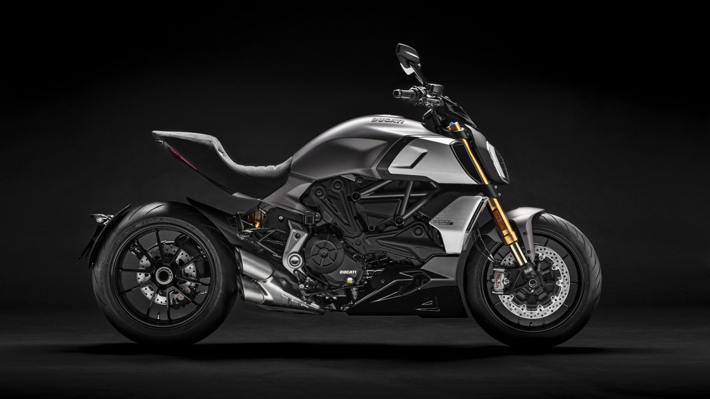 Diavel-1260-S-MY19-04-Gallery-1920x1080 (1)