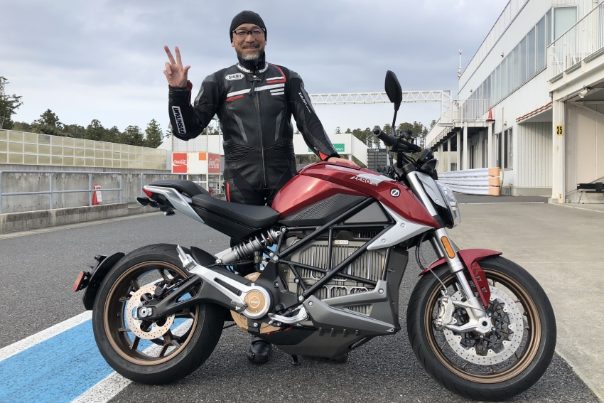 "Electric Motorcycle ""ZERO SR/F"" Test Ride Review! Acceleration Like a Big 2-Stroke Motorcycle"
